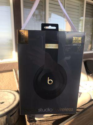 BRAND NEW studio3 black & gold beats wireless headset (Skyline edition) for Sale in Alta Loma, CA