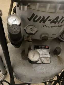 Jun Air / Air Compressor 25 Liter With Hoses & Snap On Air Hammer for Sale in Whittier,  CA