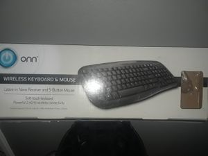 wireless keyboard and 22 in monitor for Sale in Florissant, MO