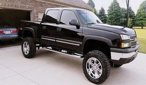 Clean Title 2006 Chevy Silverado 1500 Z71 4WD for Sale in Raleigh, NC