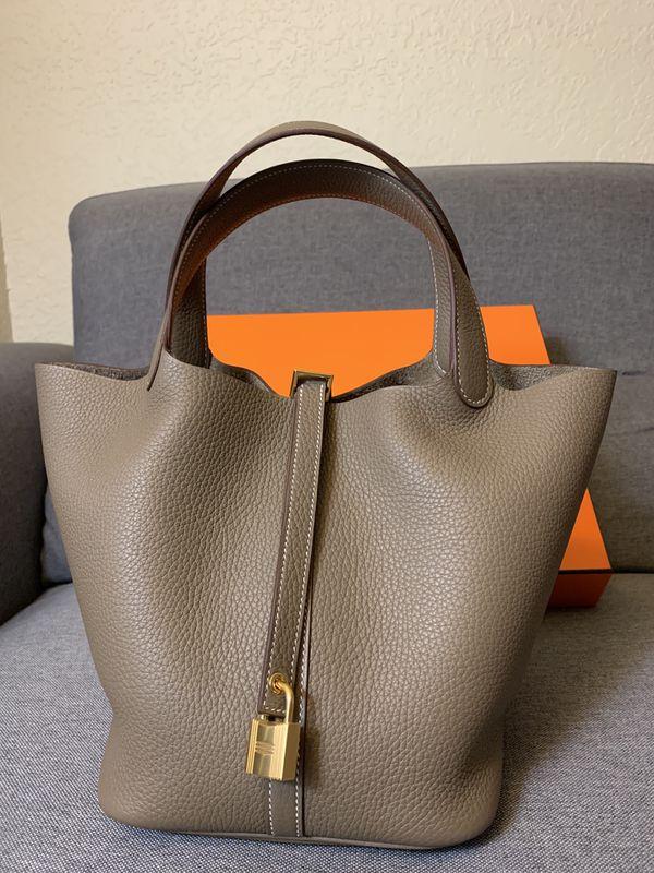 Hermès Bag - Picotin Lock 22 (Etoupe)