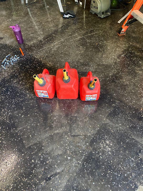 3 contenedores para gasolina