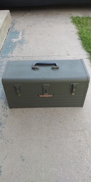 Craftsman metal tool box for Sale in San Bernardino, CA