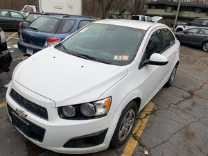 2013 Chevy sonic for Sale in Merrillville, IN