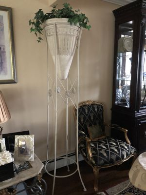 Grecian Home Decor Vase and Stand for Sale in Williston Park, NY