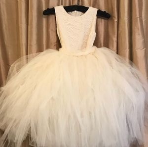 Ivory flower girl dress - Size 4 for Sale in Rockville, MD