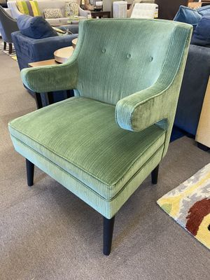 Jaden accent chair for Sale in Baton Rouge, LA