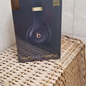 Beats Studio 3 Wireless Headphones for Sale in The Bronx, NY