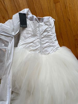 Brand new wedding dress for Sale in Glastonbury, CT