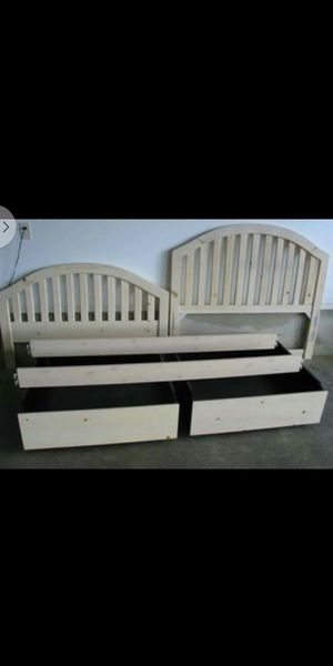 Stanley Cottage full size bed w/drawers for Sale in Aberdeen, WA