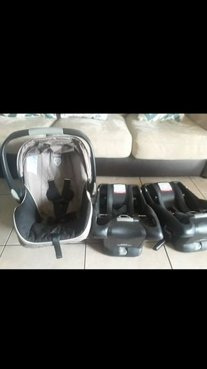 Britax baby car seat for Sale in Glendale, AZ