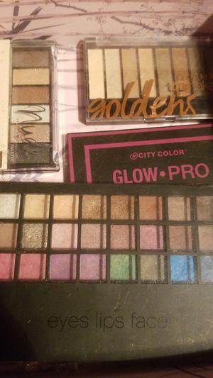 Eyeshadow pallet for Sale in Reedley, CA