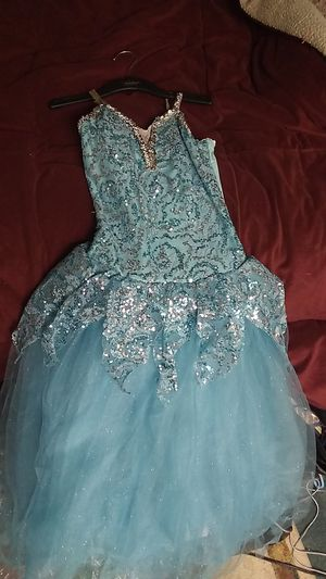 Gorgeous little girls fairytale dress beautiful sequence. my daughter had tried it on and she's 10 and it fit her beautifully for Sale in Alta Loma, CA