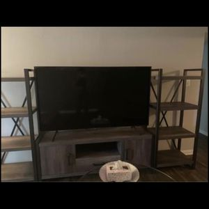 70 Inch Samsung Flat Screen Tv for Sale in Mount Prospect, IL