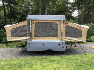 1984 Coleman Columbia popup camper for Sale in Lyndhurst, NJ