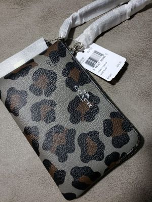 Brand new COACH wallet / clutch for Sale in Baltimore, MD