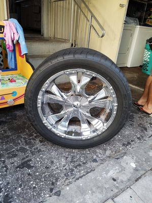 4 tires with good rims for 2000-2004 toyota tacoma or any truck for Sale in West Palm Beach, FL