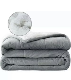 Syrinx weighted blanket for Sale in Bakersfield, CA