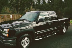 2003 CHEVY SILVERADO LT * CREW CAB * 4X4 * 1-OWNER * LOW MILES for Sale in Richmond, VA