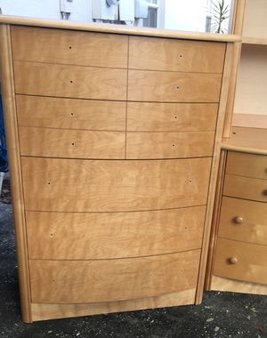 Like new pair of matching dressers for Sale in Orlando, FL