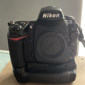 BROKEN: Nikond700 for Sale in Port St. Lucie, FL