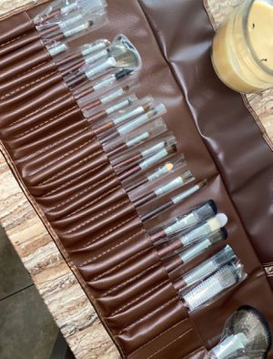 MAKEUP BRUSHES | BROCHAS DE MAQUILLAJE for Sale in Downey, CA