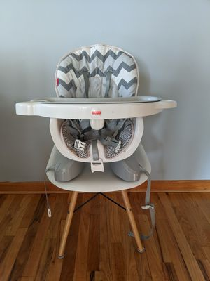 Fisher Price Deluxe Space Saver High Chair for Sale in Ridgefield, NJ