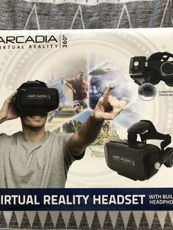 VIRTUAL REALITY HEADSET - Built in Speakers - Universal Phone Fitting for Sale in Pompano Beach,  FL