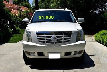 💚💝$10OO I sell URGENTLY my family car 2OO8 Cadillac Escalade Everything is working great! Runs great and fun to drive.🔑🔑 for Sale in Washington,  DC