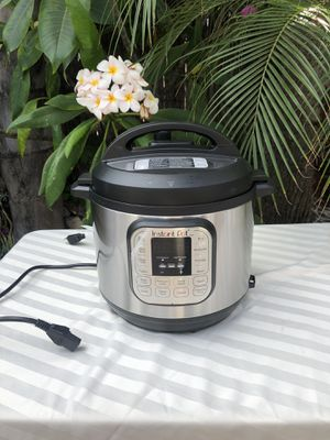 Instant Pot Duo 7-in-1 Electric Pressure Cooker, Slow Cooker, Rice Cooker, Steamer, Saute, Yogurt Maker, and Warmer, 6 Quart, 14 One-Touch Programs for Sale in Downey, CA
