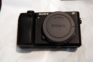 Sony A6300 - Perfect Condition - Low Shutter Count for Sale in Los Angeles, CA