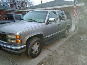 Parts 99 tahoe 5.7 119 k miles 4x4 for Sale in Warren, MI