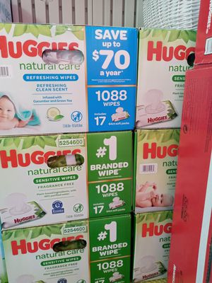 Huggies natural care 1088 wipes/17 packs $30 a box for Sale in Gardena, CA