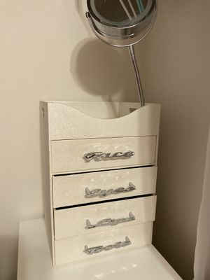 makeup drawers for Sale in Manalapan Township, NJ