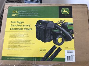 John Deere 42 in. Twin Bagger for 100 Series Tractors for Sale in Los Angeles, CA