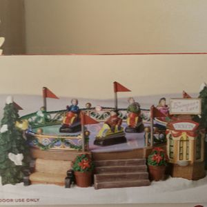 Hand Crafted Illuminated Christmas Collection Battery Operated Decos for Sale in Victorville, CA