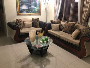 Living room set with table for Sale in Miami, FL
