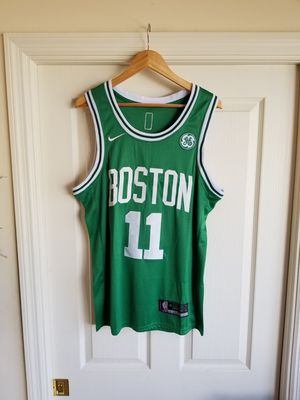 KYRIE IRVING BOSTON CELTICS GREEN JERSEY SIZE SMALL for Sale in Fort Lauderdale, FL