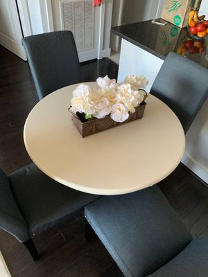 Small dining room/kitchen table WITH chairs for Sale in Arlington, VA