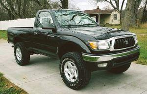 Pearl BLACK Toyota TACOMA / 2001 for Sale in Warren, MI