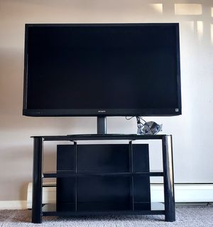 55 inch Sony 3D 1080p TV with Original Remote and 4 pairs of 3d glasses for Sale in Denver, CO