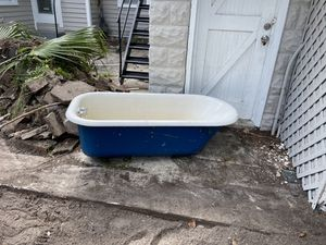 Cast Iron Antique Bath Tub - Outstanding Condition for Sale in St. Petersburg, FL
