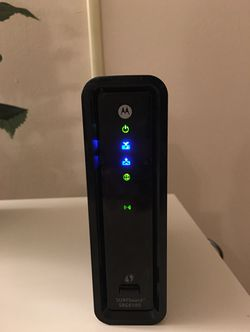 High speed Motorola modem compatible with Comcast for Sale in Monroeville,  PA