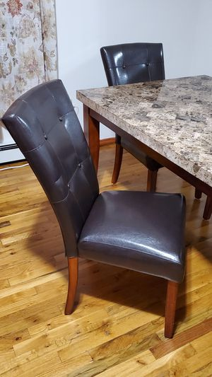 """Marble Top Table With 4 Chairs. Width 70"""", Dedth: 42"""", High: 31"""" Condition: Great for Sale in Queens, NY"""