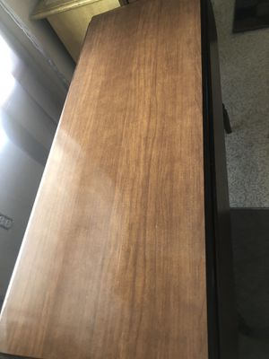 Solid wood kitchen table opening sides $25 for Sale in Columbus, OH