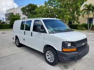 2011 CHEVY EXPRESS CARGO 91K MILES CLEAN TITLE for Sale in Pompano Beach, FL