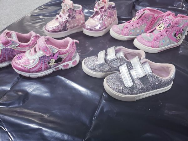 Girl toddler sneakers. Size 7