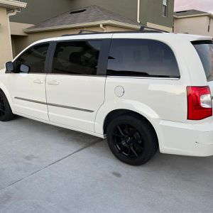 2012 Chrysler Town & Country for Sale in Kissimmee, FL