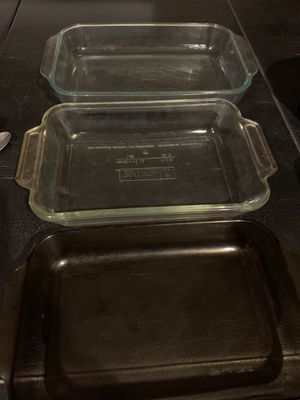 Pyrex glass pan set of 3 for Sale in Riverside, CA