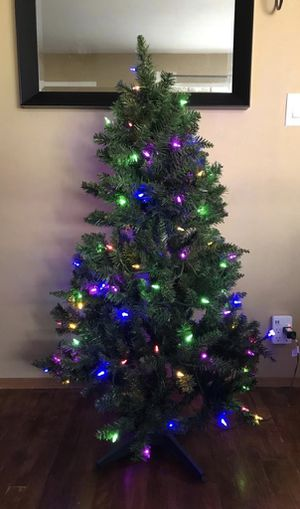 CHRISTMAS TREE MULTI COLORS REMOTE CONTROL for Sale in Concord, CA